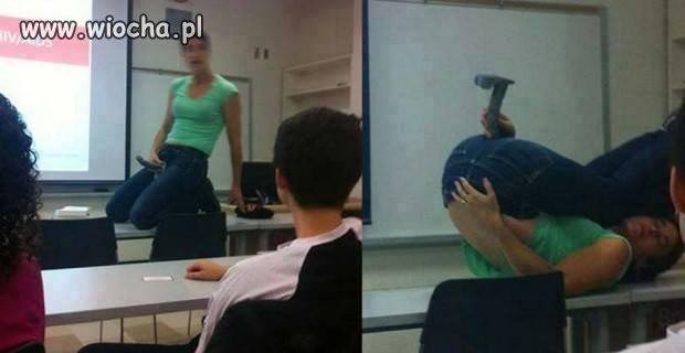 Widać, że nauczycielka się wczuła.