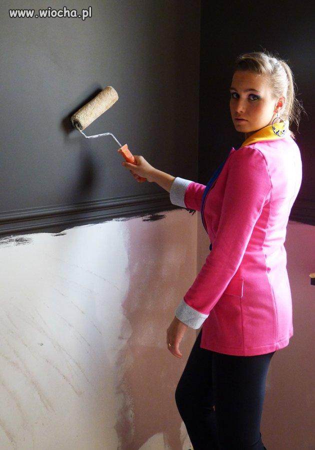 Dziunia maluje ściane