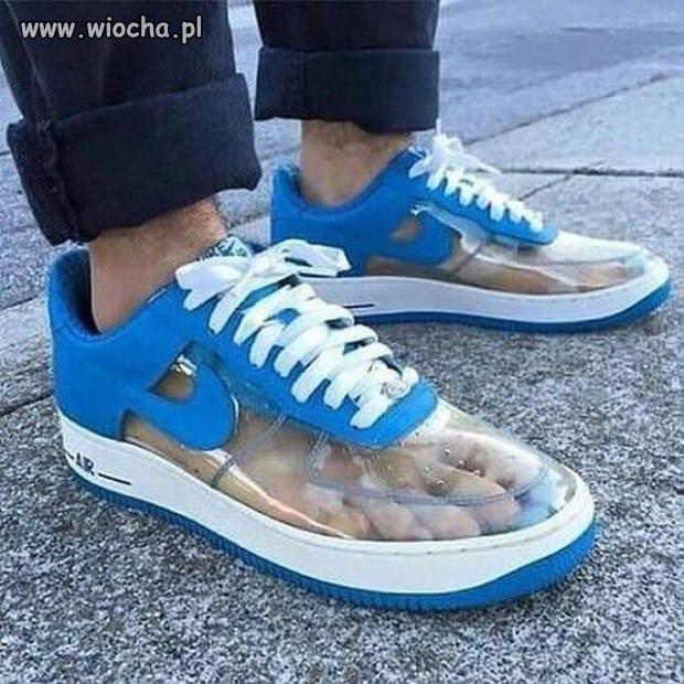 Jak sandały to i skarpetki...