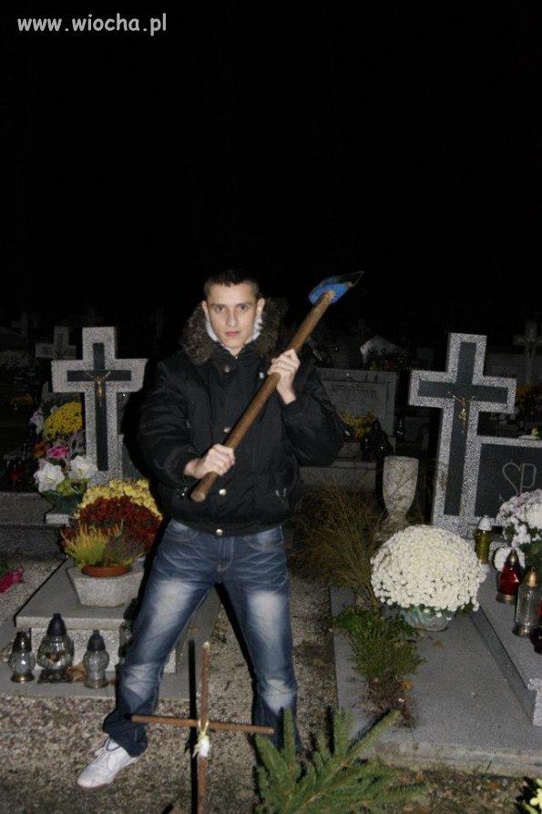 Nocne wypady na cmentarz.