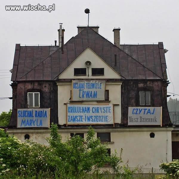 Dom z�y