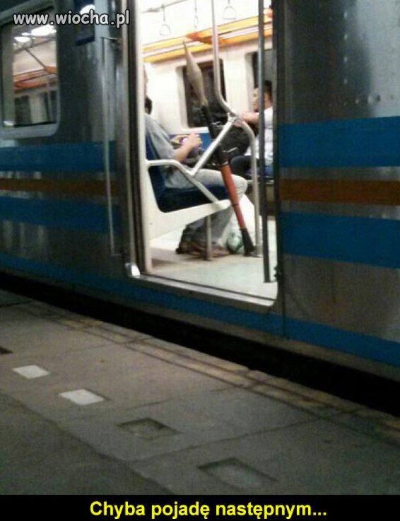 Tymczasem w metrze.