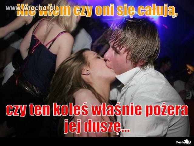 Tak się całują nastolatki