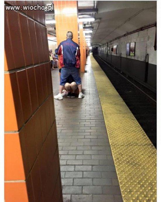 Metrowe gardło?