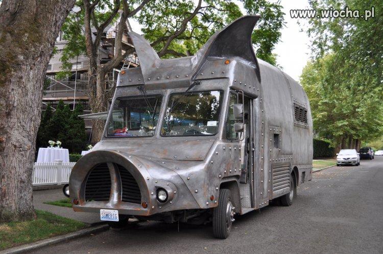 Rząd kupił nowe limuzyny dla PO i Nowoczesnej