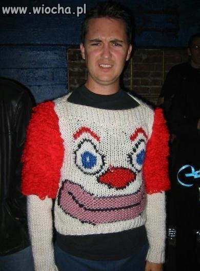 Sweterek w pyte