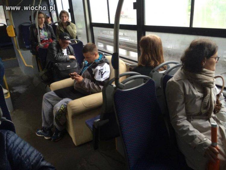 A tymczasem w autobusie