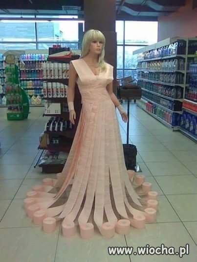 Z dupy suknia