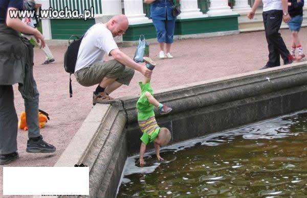 """""""Kochający"""" tatuś..."""