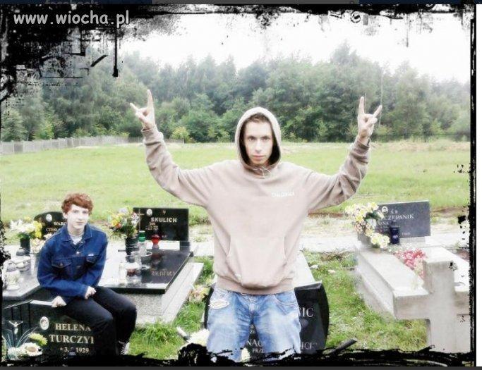 Nie ma to jak foto na cmentarzu...