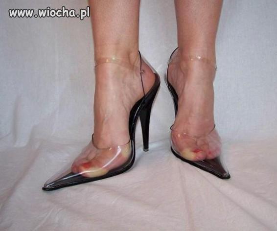 Plastikowe buty