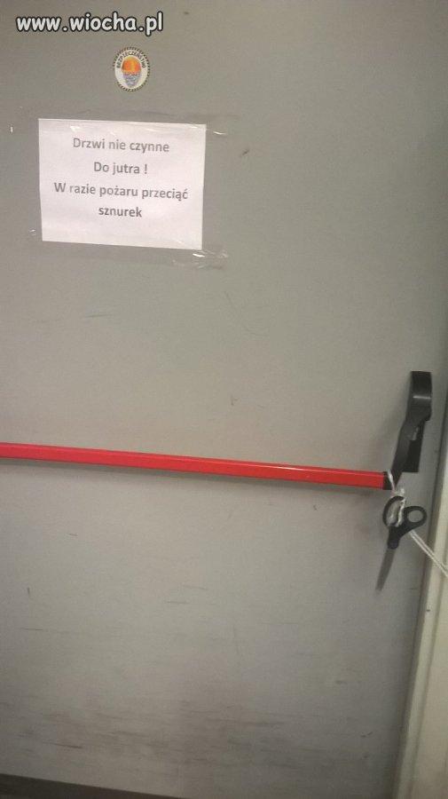Drzwi ewakuacyjne