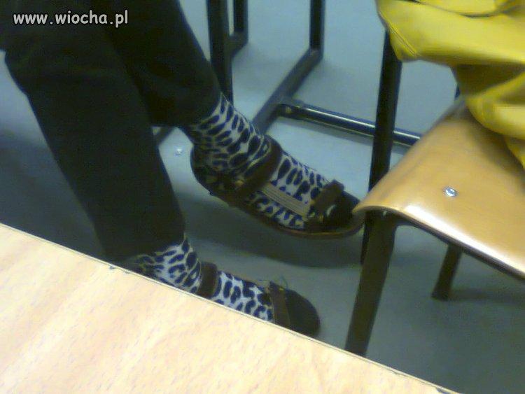 Skarpetki w krowę + sandały