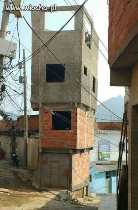 Normalny budynek w Indiach