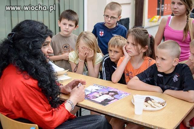 Transwestyta na spotkaniu z dziećmi w Lublinie