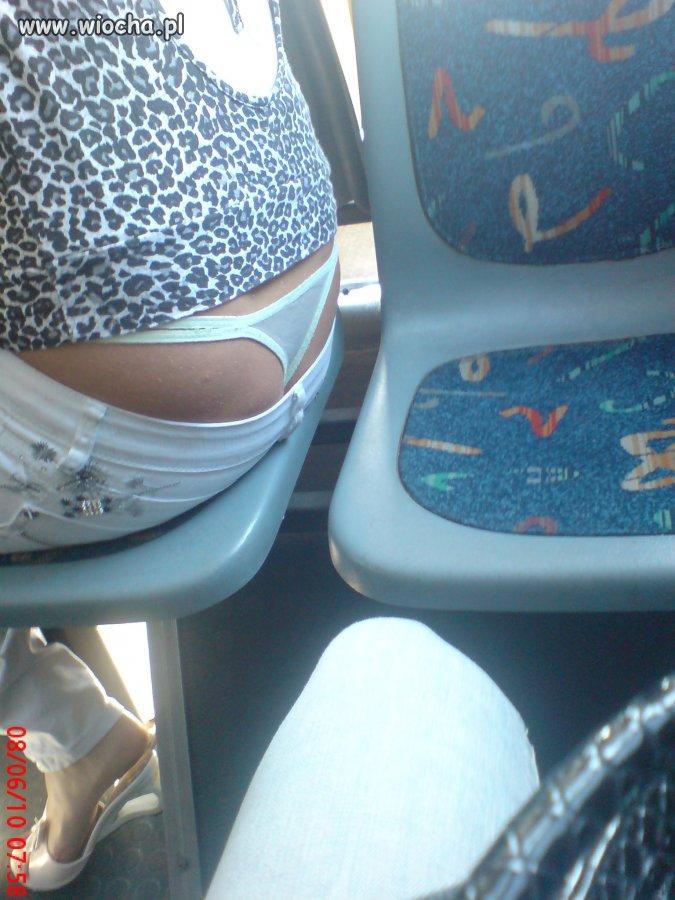W autobusie miejskim