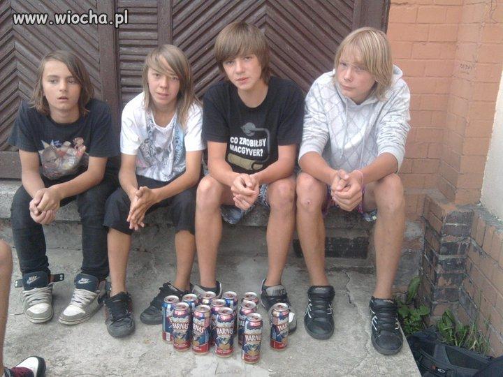 Są sweet dwunastki z długimi włosami