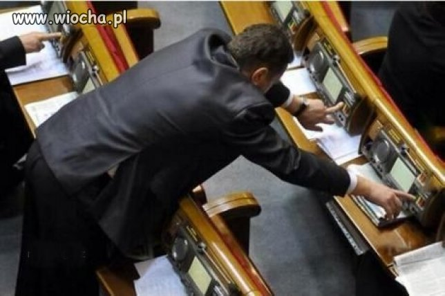 Tymczasem w europarlamencie.
