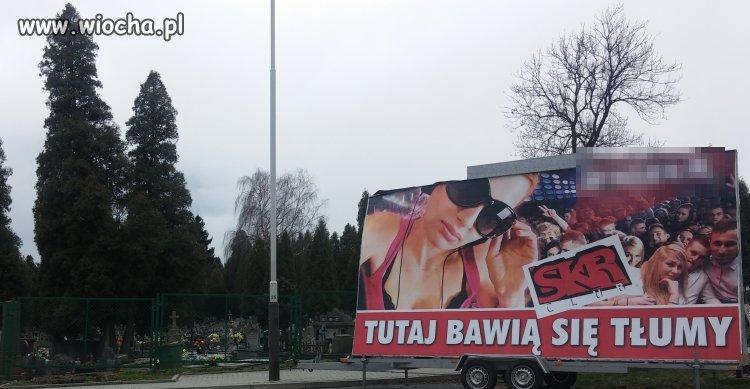 Cmentarz w Jarosławiu i taka tam reklama