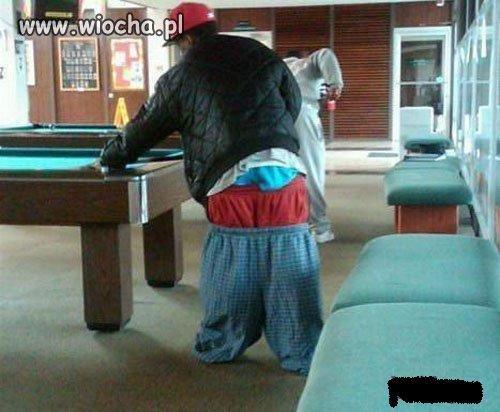 W�a�nie tak si� nosi spodnie