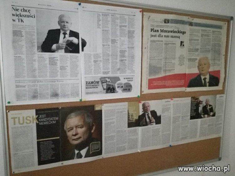 Tablica ogłoszeń w Urzędzie Miasta.