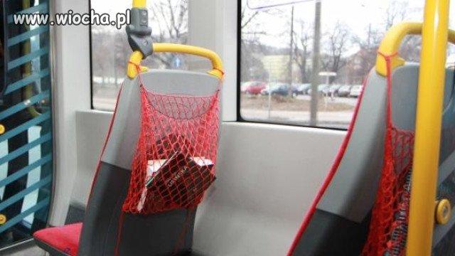 Mobilna czytelnia w gdańskich tramwajach