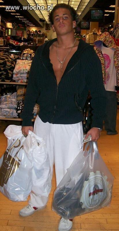 Popatrzcie tylko jakie szumne zakupy zrobił
