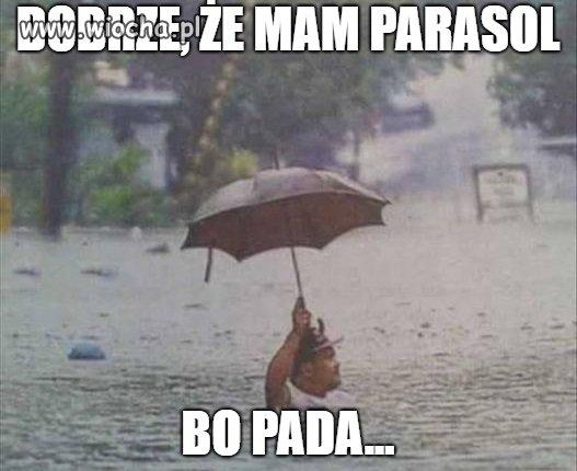 Pada sobie deszczyk,pada równo,raz spadnie