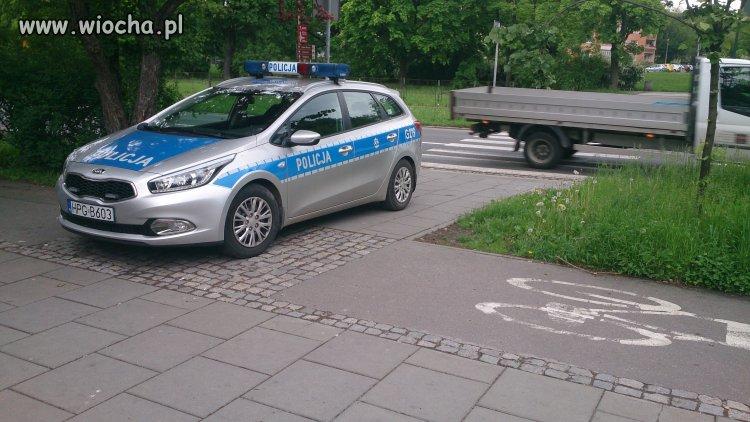 Przejście dla pieszych? Droga rowerowa? Eee tam !