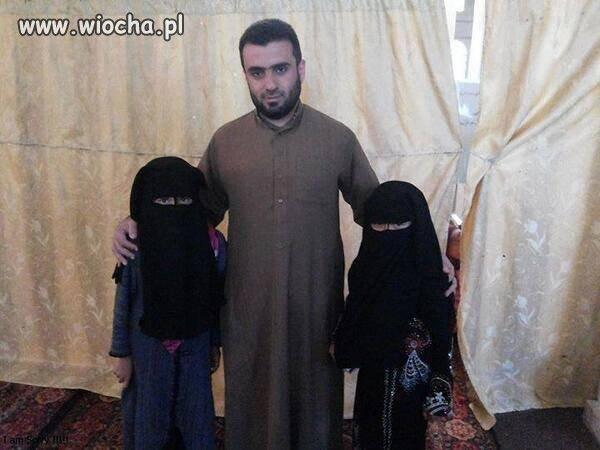 """Mąż i jego dwie """"żony"""""""