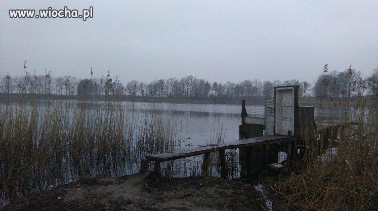Drzwi do jeziora.