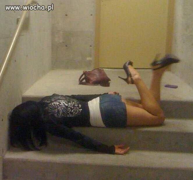 Chyba za dużo wypiła..