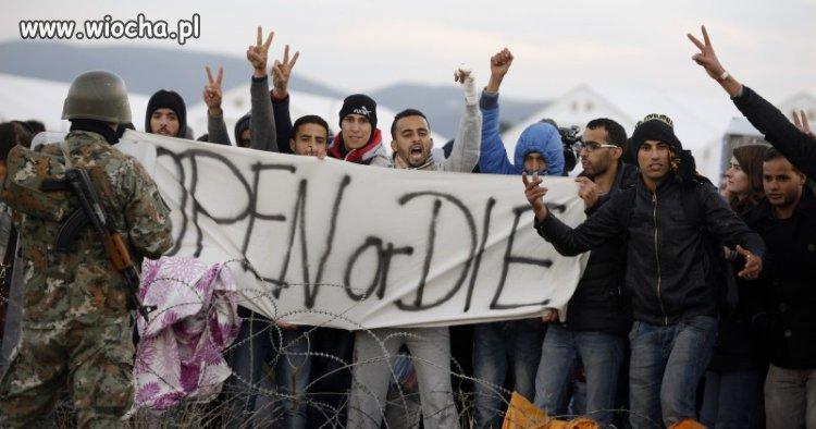 Biedni uchodźcy uciekający przed wojną
