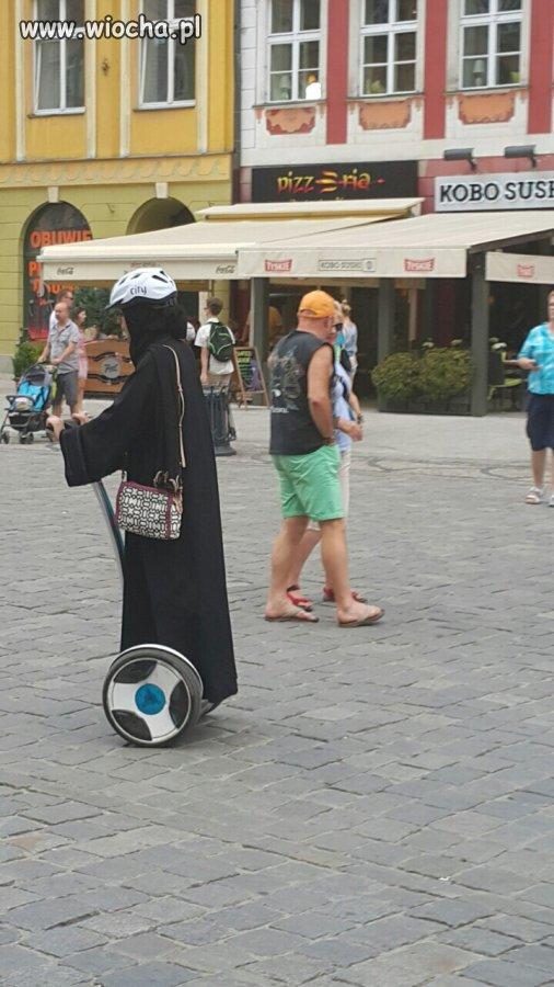 Wrocław 15.08.2015 żona ciapatego na rynku
