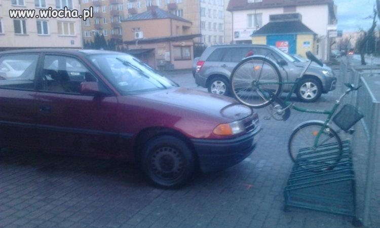 Rowerzyści też mają parkingi