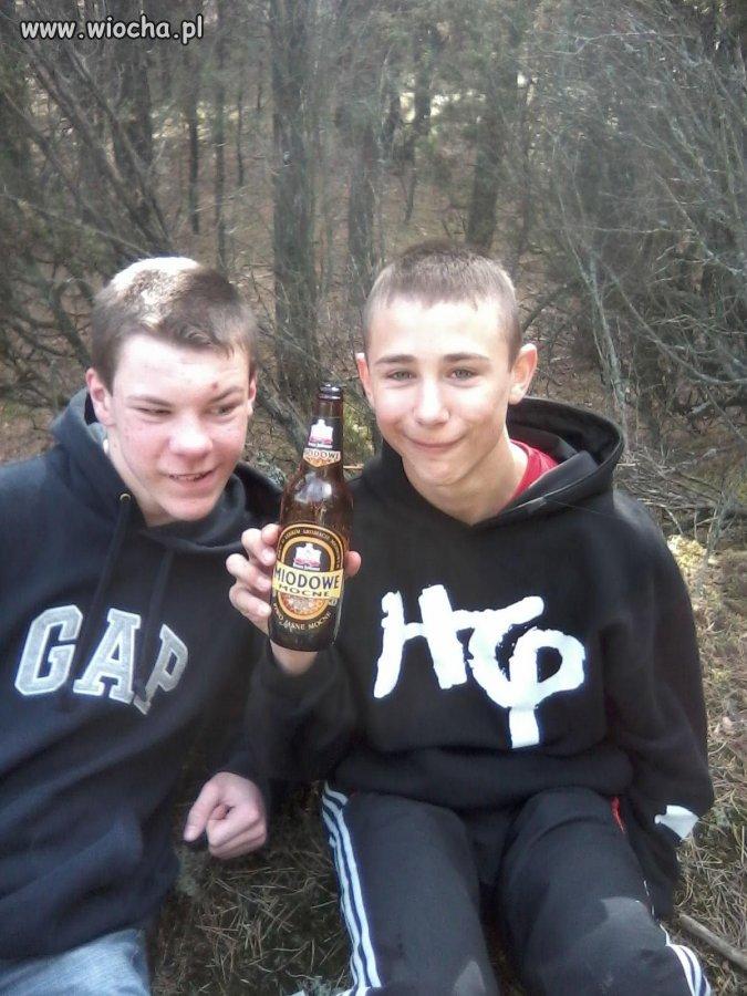 Znaleźliśmy piwo w lasku