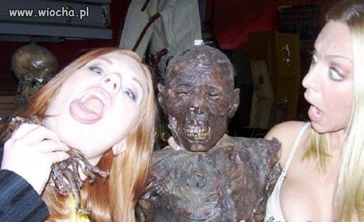 Sweet focia z mumią.