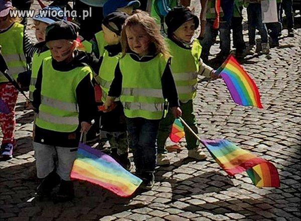 Dzieci ze szwedzkiego przedszkola zmuszone do...