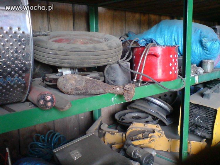 U sąsiada w garażu są różne szpargały