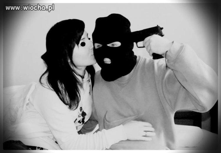 17latka i jej kochanek który boi się pokazać twarz