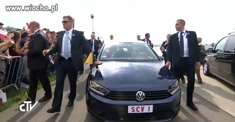 Samochód Papieża Franciszka na ŚDM