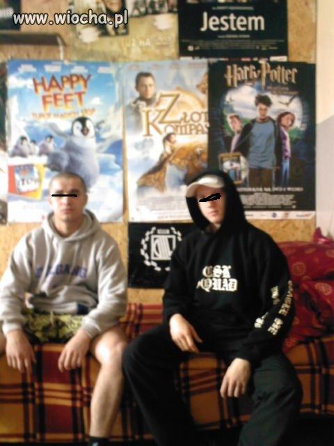 Chłopcy się lansują na gangsta