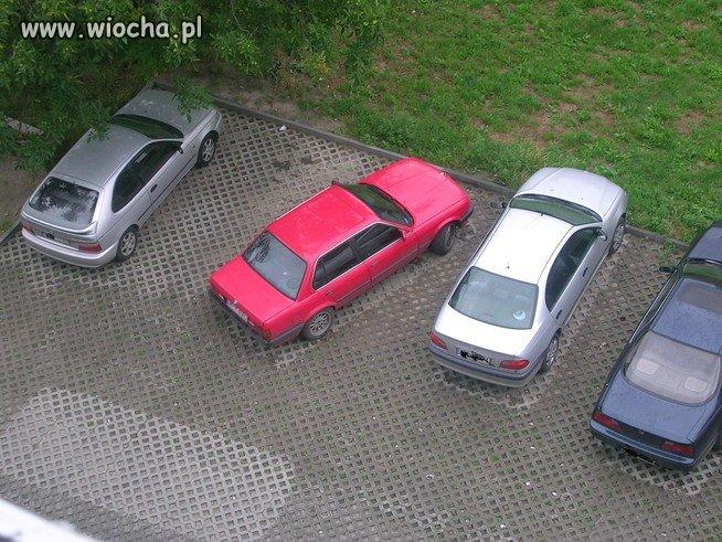 Czyżby kolor samochodu miałby jakieś znaczenie???