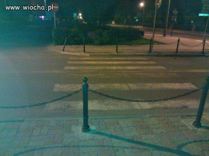 Takie przejście dla pieszych tylko w Polsce