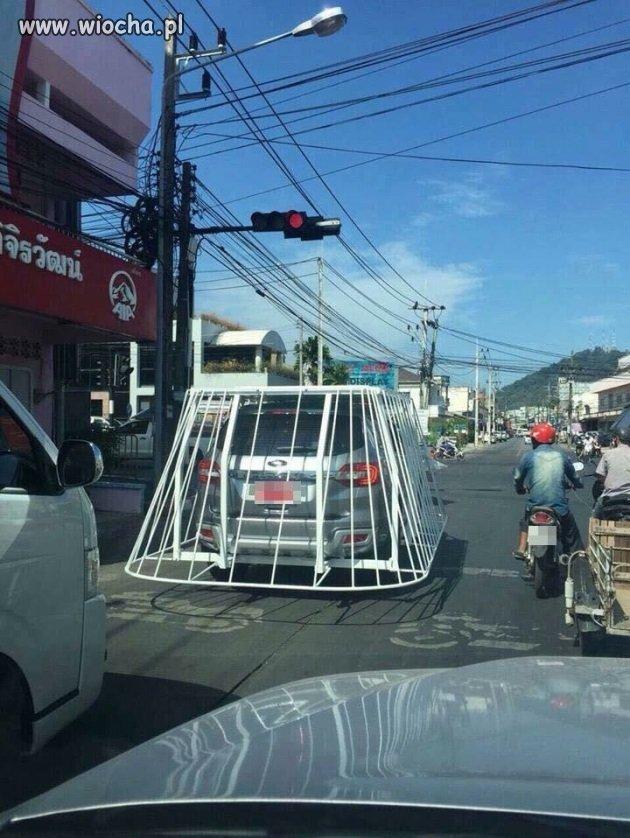 Jak chronić samochód przed innymi pojazdami