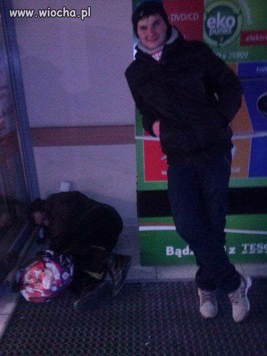 Zdjęcie z bezdomnym...