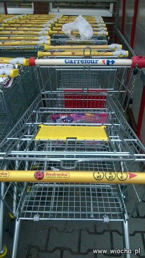 Polacy chyba zaczęli mylić sklepy.