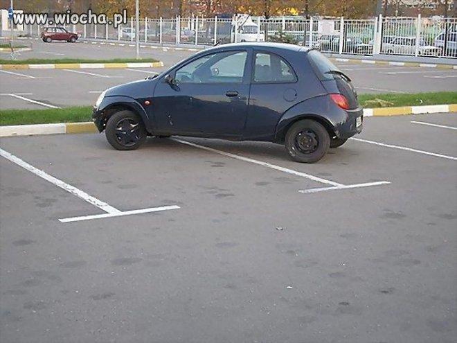 Zaparkowany.