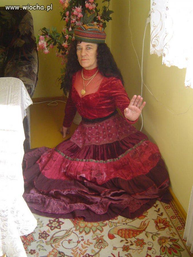 Księżniczka na... skrawku dywanu.