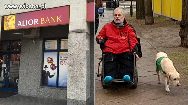 Niepełnosprawny wyproszony z banku, bo był z psem